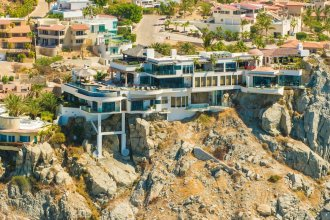 Sophisticated Cliffside Platinum Villa Turquesa 9BR Overlooking the Pacific