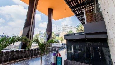 Miyana Amazing CityView Suite  by LiveMexicoCity