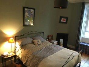 2 Bedroom Apartment In Central Edinburgh