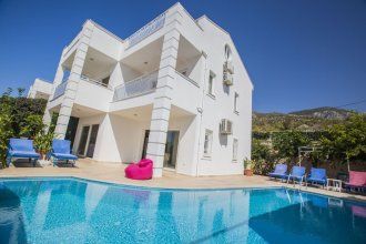 Villa Baysal 5 by Akdenizvillam