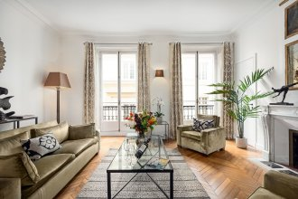 Rue Honore Chevalier - Two Bedroom Apartment