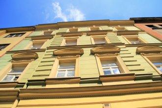 Vlkova Central Palace - Residence