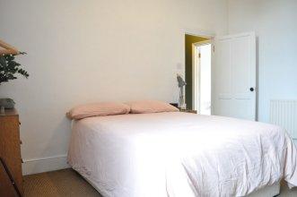 2 Bedroom Flat With Garden in New Cross
