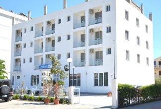 Hotel Lakaj