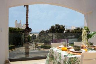 Phaedrus Living: Seaside Luxury Flat Natalia 102