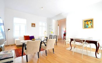 Vienna Residence Bright Apartment for 2 in Central but Quiet Location
