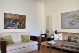 3 Bedroom Flat At The Foot of Bon Marché