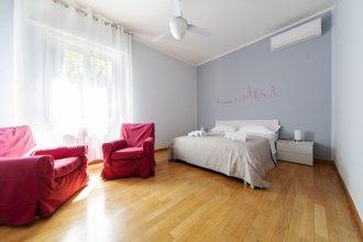 Sant'Orsola Colorful Huge Apartment
