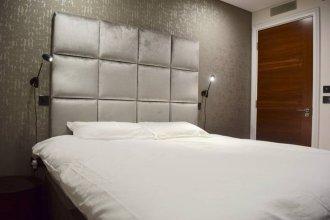 Modern 2 Bedroom Bayswater Apartment
