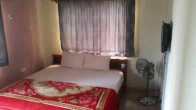 Hotel C & M