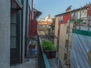 Porto Insight Apartments- with Balcony