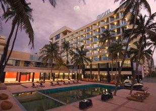 Novotel Mumbai Juhu Beach Hotel