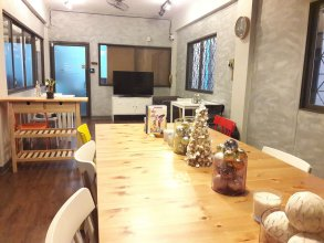 Beyond Bangkok Guesthouse Hostel