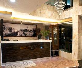 Envoy Hotel
