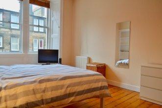 1 Bedroom Flat With Box Room In Edinburgh