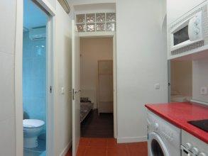 Apartamento de 2 Habitaciones a 3 Minutos de La Latina con A/C
