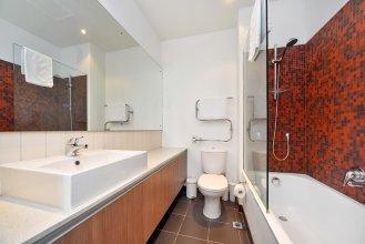 QV Central Harbour Apartment - 684