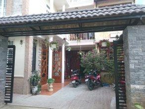 Hoang Trang Hostel