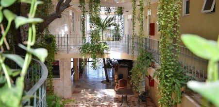 Hotel Santa Maria Cancun (ex. Dogtown Suites)
