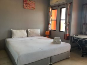Luna Guesthouse And Travel