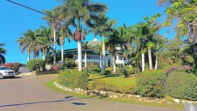 La Casa De Playa Ocho Rios