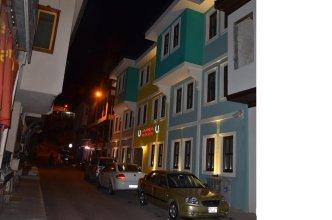Apameia Hotel