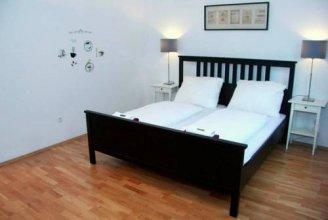 Livingston Apartment Studio