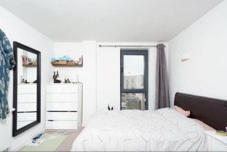 Modern 4 Bedroom Canal-side North London Flat