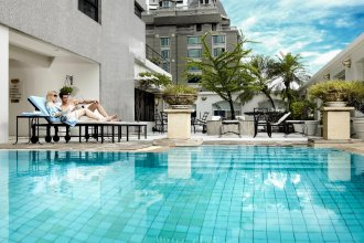 Cape House Hotel and Serviced Apartments