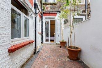 Donatello Apartment Hammersmith