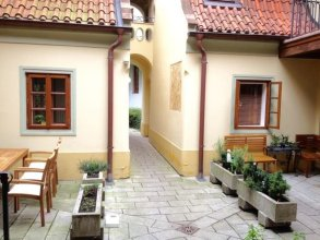 Romantic near Charles Bridge - 1 Br Apts