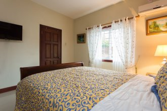 New Kingston Guest Apartment at Inglaterra I