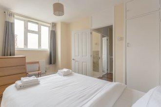 4 Bedroom Apartment in Battersea