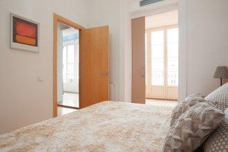Akira Flats Urquinaona Centric apartment