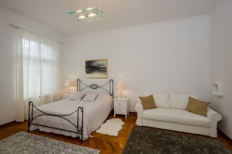 Best Luxury apt in Zagreb for 16 ppl