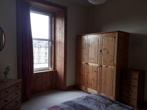 Central 3 double bed apartment
