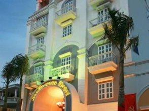Sunflowers Hotel