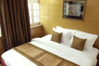 Fabhotel Daffodils Inn Connaught Place
