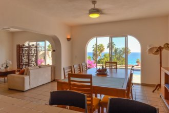 An Inviting 2BR Villa Oceano Located Just A Short Walk to the Beach