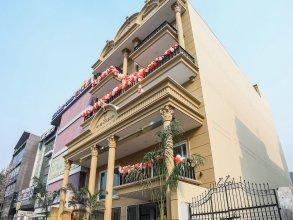 OYO 23088 Hotel Dev Palace