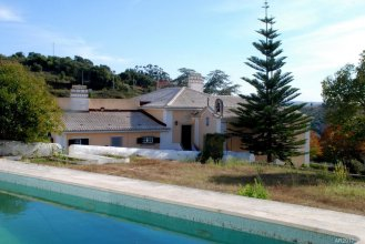 Villa With 2 Bedrooms in Alenquer, With Wonderful Mountain View, Priva