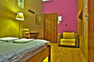 Nathans Villa Hostel Warsaw