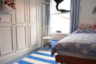 5 Bedroom Family Home Near Wimbledon