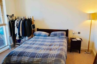 Modern 1 Bedroom Apartment in Central Location
