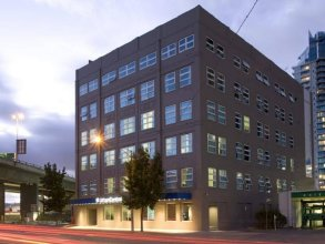 Urban Central Accommodation - Hostel