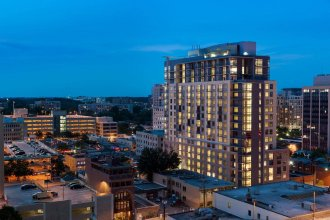 Bainbridge Bethesda By Global Luxury Suites