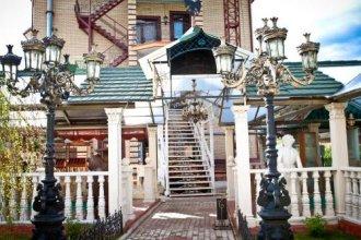 Петровский дворик