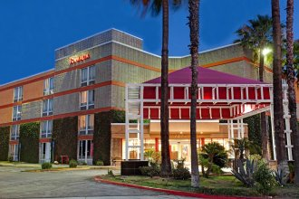 Best Western Plus Commerce Hotel
