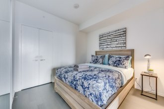 Trendy 2BR Condo in King East Great View
