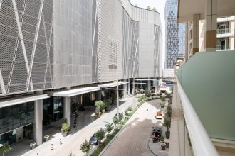 Contemporary & Spacious 3BR Apartment in Downtown Dubai
